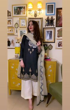 Pakistani Fancy Dresses, Pakistani Fashion Casual, Pakistani Dress Design, Pakistani Outfits, Indian Dresses, Indian Outfits, Indian Fashion, Ethnic Fashion, Indian Designer Suits