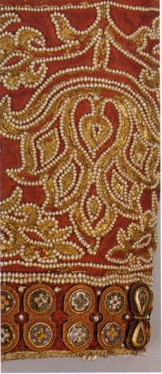 detail of tunicella sleeve