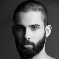 A face to remember. Haircuts For Balding Men, Cool Haircuts, Beard Styles For Men, Hair And Beard Styles, High And Tight Haircut, Beard Look, Beautiful Men Faces, Moustaches, Great Beards