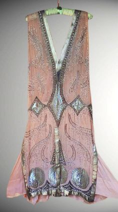MUSEUM ART DECO 1920's FRENCH FLAPPER BEADED DRESS. Classic pull over Flapper…