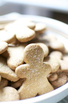 Gingerbread Cookies with Oat Flour