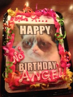 Grumpy cat Birthday cake #GrumpyCat #cake For more Grumpy Cat quote, humor and meme visit www.pinterest.com/erikakaisersot