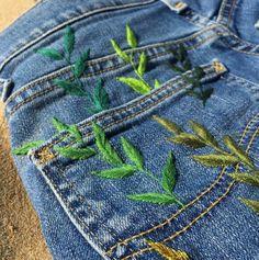 Bildergebnis für Stickerei pflanzt Hosen - Clothes for Women Diy Embroidery, Embroidery Stitches, Embroidery Patterns, Sewing Patterns, Embroidery On Jeans, Diy Clothes Embroidery, Painted Jeans, Painted Clothes, Diy Clothing