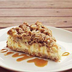Caramel Apple Cheesecake  #Thanksgiving! http://www.abeautifulmess.com/2012/11/caramel-apple-cheesecake.html