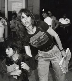 Jane Fonda's 10 Best Knockout Beauty Moments This Sunday's Golden Globes find Jane Fonda nominated as Best Supporting Actress Joey Ramone, Jane Seymour, Catherine Deneuve, Ramones, Marie Christine Barrault, Hollywood Actresses, Actors & Actresses, Jane Fonda Barbarella, Punk Rock
