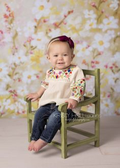 9 Month Old Girl Photography Love the matching outfit and backdrop Girl Photography, Children Photography, Newborn Photography, Newborn Pictures, Baby Pictures, 8 Month Old Baby, Milestone Pictures, Girl Photo Shoots, Baby Girl Photos