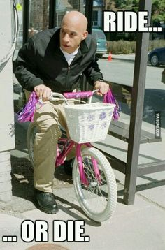 Ride or Die . Vin Diesel riding a bike . The Fast and the Furious Fast And Furious Memes, Fast And Furious Cast, The Furious, Vin Diesel, Furious Movie, Ride Or Die, Mood Pics, Really Funny, Freaking Hilarious