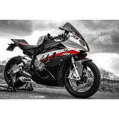 BMW S 1000 RR White Motorcycle, Suzuki Motorcycle, Bmw Motorcycles, Motorcycle Helmets, Custom Sport Bikes, Cafe Racer Bikes, Bmw S1000rr, Sportbikes, Street Bikes