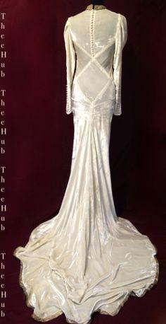 ultra siren panelled white velvet vintage 1930s wedding dress