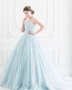 If you are dreaming of a fairy tale bridal look, this baby blue ball gown from Cinderella & Co. is definitely going to be your cup of tea! #beautiful #weddingdress #wedding #bride #iceblue #gown #dress #blue #fairytale #praisewedding