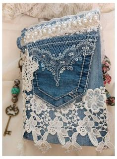 Jean Crafts, Denim Crafts, Refaçonner Jean, Jean Bag, Pochette Portable, Blue Jean Purses, Lace Bag, Denim Handbags, Denim Purse