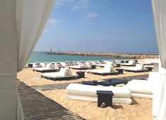 Purobeach Vilamoura. chic lounge atmosphee to soak up the sun, on the beach at Tivoli Marina Vilamoura Hotel