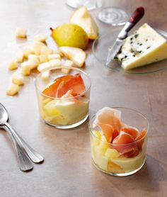Verrines poire, roquefort et jambon cru