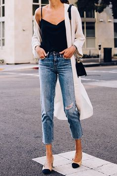 5002cdf6c5 Blonde Woman Wearing Topshop Black Cami Denim Ripped Mom Jeans Beige Linen  Kimono Chanel Slingback Heels