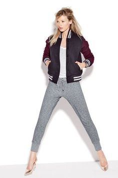 Pictures : J.Crew September 2013 Style Guide - Golden Bear J Crew Varsity Jacket Casual Chic, Sporty Chic, Sporty Style, Sport Casual, Daily Fashion, Love Fashion, Fashion Trends, Skinny Sweats, Blazers