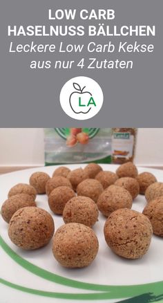 Low Carb Haselnuss Bällchen – Zuckerfreie Kekse Mega tasty and sugar-free low carb hazelnut balls, which you only need 4 ingredients for. Here's the complete recipe for these low-carbohydrate biscuits, perfect for losing weight. Protein Desserts, Protein Snacks, Best Protein Shakes, Protein Shake Recipes, Smoothie Recipes, Sugar Free Cookies, Low Carb Lunch, Healthy Smoothies, Blog