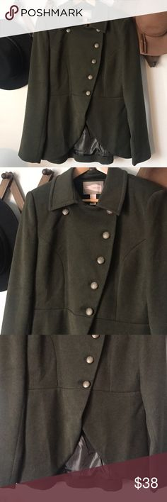 F21 Military style jacket in Olive NWOT. Never worn Forever 21 military style jacket, features a tulip hem at the bottom. Perfect for winter! So soft! Forever 21 Jackets & Coats Blazers