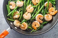 Easy, gluten free and ready in 25 minutes, this Low Fodmap Shrimp & Green Beans is one of my favorite simple Whole30-inspired skillet suppers!