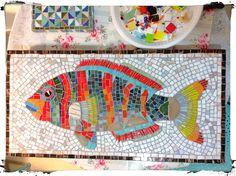 Harlequin tusk fish Mosaic Animals, Mosaic Birds, Mosaic Projects, Art Projects, Mosaic Ideas, Cottage Signs, Charm Quilt, Mosaic Artwork, Mosaic Madness