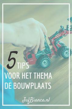 Het boek Kom uit die kraan! is geschreven door Tjibbe Veldkamp en geïllustreerd door Alice Hoogstad. Het verhaal gaat over Bart een jongen in een rode overall die graag kijkt bij de bouwplaats. Hij mag er natuurlijk niet opkomen dat is veel te gevaarlijk. Op een dag komt hij tóch op de bouwplaats en hij wordt ook nog eens beloond met een echte bouwhelm. Hoe kan dat? Ik heb vandaag 5 tips voor het thema De bouwplaats. #JufBianca