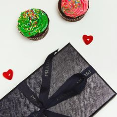 Birthday is for sharing!!!🎉❣#gift #sweet #love #sharing #cupcakes #prada #giftwrapping #giftbox #giftideas #staytuned #buyauthentic #glamoroussecondhand #vintagefashion #fashion #fashionlovers #fashionlover #luxury #luxurylifestyle #shopping #authentic #sales #fashionbrands #style #ootd #preloved #preowned #newin #likenew #birthday #starbags_eu New Fashion, Fashion Brands, Vintage Fashion, Prada, Cupcakes, Gift Wrapping, Ootd, Glamour, Photo And Video