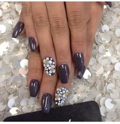 Nails laquenailbar on Instagram / acrylic nails / nail designs / flower design / acrylic flowers