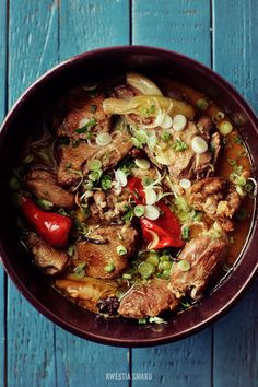 Vietnamese Duck Stewed in an Aromatic Sauce with Anise and Ginger Goose Recipes, Duck Recipes, Raw Food Recipes, Asian Recipes, Chicken Recipes, Ethnic Recipes, Asian Foods, Braised Duck, Main Course Dishes