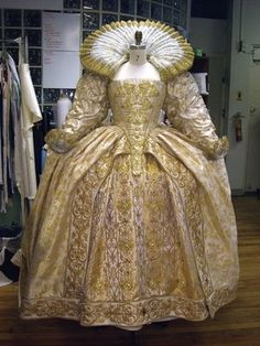 Womens attire during the Elizabethan era consisted of gowns, hats, corsets, underwear, collars, ruffs (Queen Elizabeth was a big fan of the high ruff), and shoes. Brides would wear their best gown and kirtle (petticoat), or even a new gown if the money was available. - http://j.mp/HRW64Z
