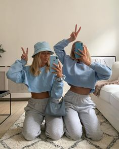 outfits with sweatpants ~ outfits _ outfits for school _ outfits with leggings _ outfits with air force ones _ outfits casuales _ outfits with sweatpants _ outfits with black jeans _ outfits aesthetic Foto Best Friend, Best Friend Photos, Friend Pics, Bff Pics, Cute Comfy Outfits, Trendy Outfits, Insta Outfits, Black Outfits, Shooting Photo Amis