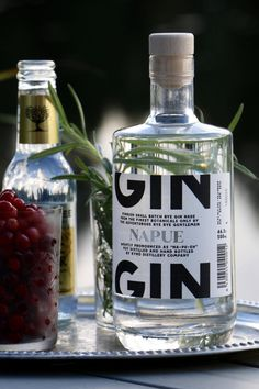 Finnish Kyrö Distillery Company won the first price at the International Wine and Spirits Competition for world's best G&T with their Napue Gin. Gin Recipes, Gin Cocktail Recipes, Cocktails, Gin Tasting, Best Gin, Gin Gifts, Gin Bar, Gin Lovers, Gin And Tonic