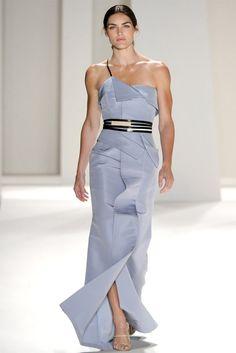 Carolina Herrera Spring 2012 Ready-to-Wear Fashion Show - Hilary Rhoda Haute Couture Style, Haute Couture Dresses, New York Fashion, Love Fashion, High Fashion, Fashion Show, Fashion Design, Fashion 2014, Dress Fashion