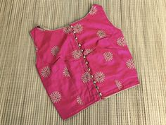 Indian Sarees, Silk Sarees, Silk Saree Blouse Designs, Work Blouse, Sleeveless Blouse, Casual Wear, Floral Tops, Blouses, Fashion Outfits