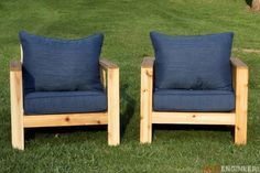 Finding a comfortable outdoor chair is a pain, so why not make one you'll love? Here are two chairs you can make this weekend.