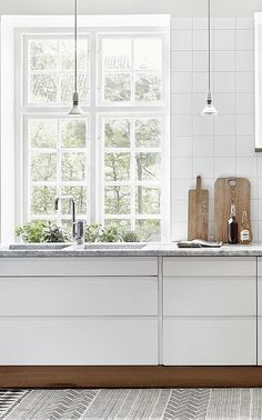 White Kitchen - Cabinetry Ideas - Modern Home - Masculine Decor - Interior Design Deco Design, Küchen Design, House Design, Interior Design, Design Ideas, Design Blogs, Interior Colors, Interior Modern, Modern Design