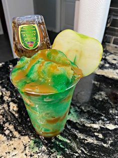 Mixed Drinks Alcohol, Party Drinks Alcohol, Candy Drinks, Liquor Drinks, Alcohol Drink Recipes, Fun Drinks, Yummy Drinks, Healthy Drinks, Frozen Drink Recipes
