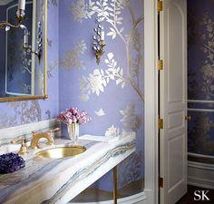 De la dorure sur les mur! Les papiers peint métallisés aide à illuminer une pièce!