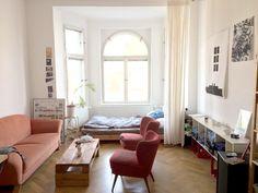 Helles Erker Zimmer Mit Großen Fenstern Für Viel Sonne Und Eine Gemütliche  Atmosphäre. #