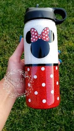 Glitter Water Bottles, Glitter Cups, White Glitter, Kids Tumbler, Tumbler Cups, Vinyl Tumblers, Custom Tumblers, Disney Water Bottle, Custom Cups