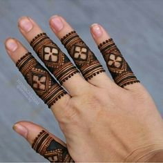 Mehndi design is one of the most authentic arts for girls. The ladies who want to decorate their hands with the best mehndi designs. Henna Hand Designs, Dulhan Mehndi Designs, Finger Mehendi Designs, Mehndi Designs For Girls, Mehndi Designs For Beginners, Modern Mehndi Designs, Mehndi Design Pictures, Wedding Mehndi Designs, Mehndi Designs For Fingers