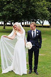 Fotograferade av Caroline L Jacobsen  Fotograf Caroline L Jacobsen Malmö .  På www.nygifta.se/ kan alla ha sin bröllopsannons gratis.  Fotografen ordnar det. Vilket blir nästa månads brudpar rösta och vinn en gratis fotografering. Fler brudpar och mer om bröllop hittar du på www.nygifta.se
