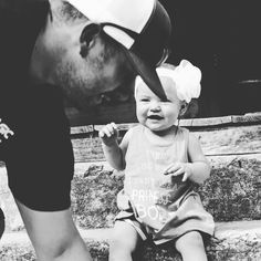 The way she looks at her Daddy is priceless :) #katelynmurphyphotography