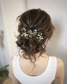Stunning Wedding Hairstyles Ideas in Just like treding wedding decor, wedding hairstyles also change with each passing year. frisuren 38 Gorgeous Wedding Hairstyles That Inspire Wedding Hairstyles For Long Hair, Hair Comb Wedding, Wedding Hair Pieces, Wedding Hair And Makeup, Hair Makeup, Bridal Hair Updo Loose, Messy Wedding Updo, Romantic Bridal Hair, Wedding Flower Hair