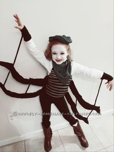 DIY Miss Spider (James and the Giant Peach) costume - perfect for World Book day