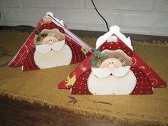 Christmas Rock, Christmas Signs, Christmas Holidays, Christmas Crafts, Christmas Decorations, Xmas, Christmas Ornaments, Holiday Decor, Decorative Painting Projects