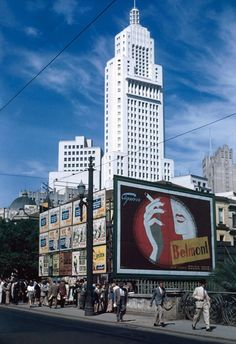 1946 - Viaduto Sta Ifigênia (São Paulo, SP) – Thomaz Farkas (foto colorida, um avanço para a época)