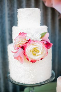 cake + flower // photo by Orbie Pullen // http://ruffledblog.com/carmel-valley-ranch-wedding-ideas