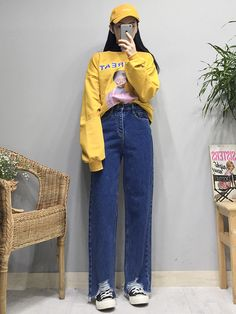 Gli Arcani Supremi (Vox clamantis in deserto - Gothian): Young women's new trends and teen's style forecast for 2018 and 2019 Korean Fashion Trends, Korean Street Fashion, Korea Fashion, Asian Fashion, 90s Fashion, Girl Fashion, Fashion Outfits, Fashion Design, Fashion Tips
