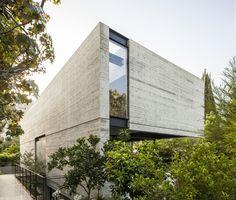 Gallery of SB House / Pitsou Kedem Architects - 8