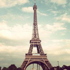 Tour Eiffel 1889.  301 m 7th