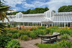 The Great Glasshouse desde Double Walled Garden, National Botanic Garden of Wales
